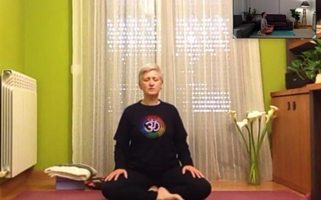 Clase de Yoga con Raquel Cárcamo